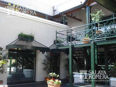 Foto Local en Venta en  Olivos,  Vicente Lopez  Corrientes al 500 Galeria Victoria Shopping