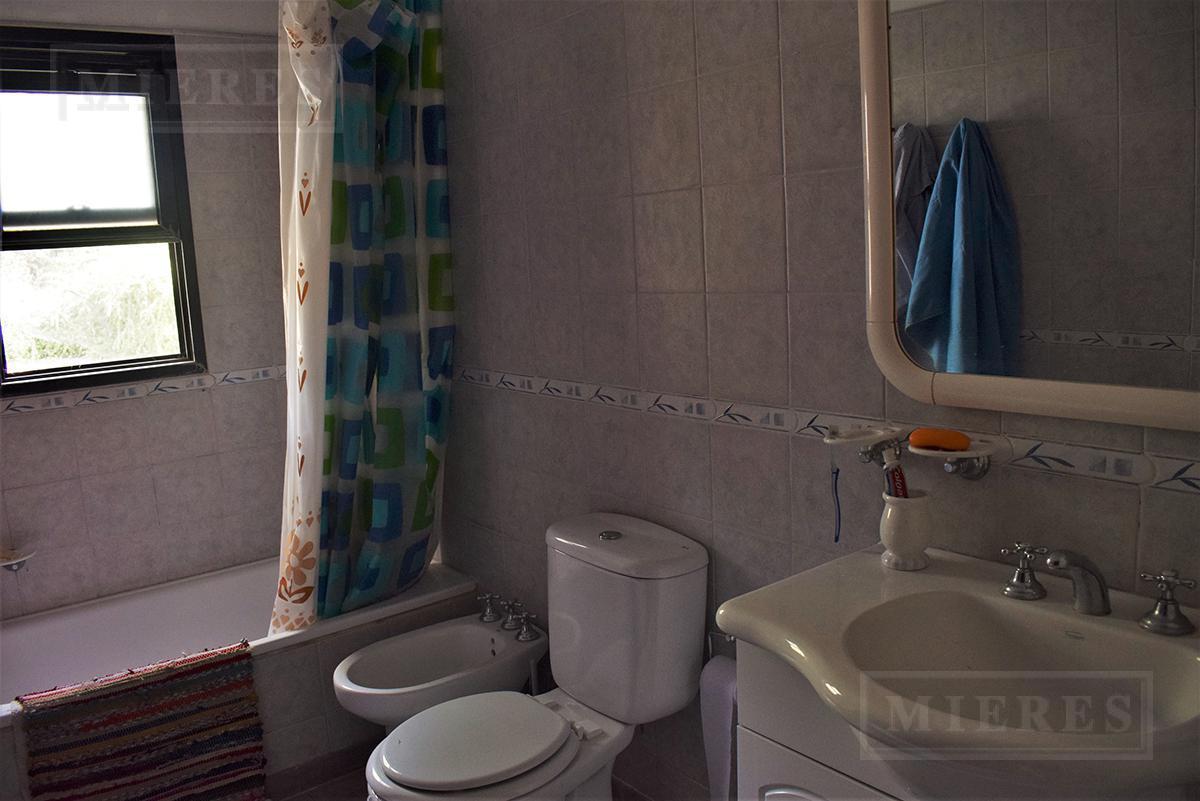 MIERES Propiedades- Casa de 212 mts cubiertos  en  Cuba - Fatima