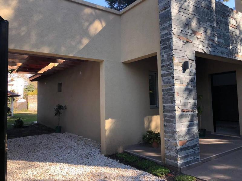 Foto Casa en Venta en  Barrio Parque Leloir,  Ituzaingó  Gorostiaga y El Pórtico