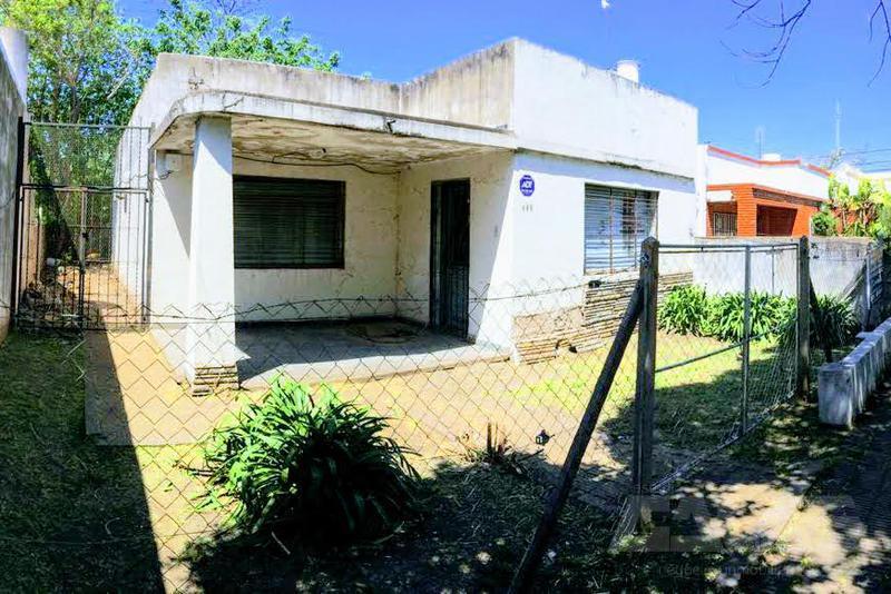 Foto Casa en Venta en  San Antonio De Padua,  Merlo  Los Pinos al 400
