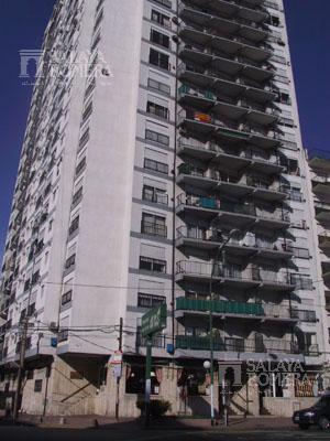 Foto Departamento en Alquiler en  Olivos-Vias/Rio,  Olivos  Sturiza al 400