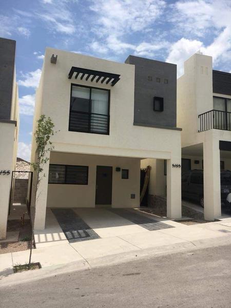 Foto Casa en Venta en  Pueblo Poblado La Haciendita,  Chihuahua  Casa Venta Fracc. Monticello - Casa Club y Alberca - $1,950,000 A3 ECG