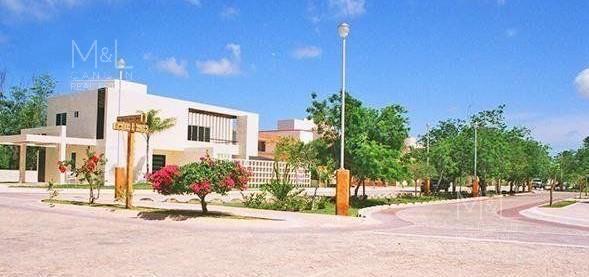 Foto Terreno en Venta en  Lagos del Sol,  Cancún  Terreno en venta en Cancún Lagos Del Sol. Manzana Flamboyanes 315 m2