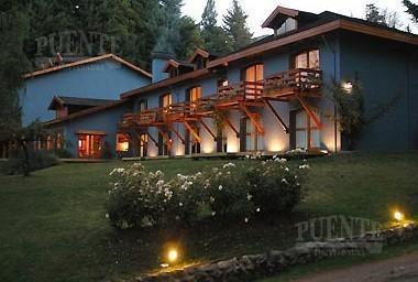 Foto Hotel en Venta en  Villa La Angostura,  Los Lagos  Villa Traful - Hosteria con Vista al Lago Traful de 17 habitaciones