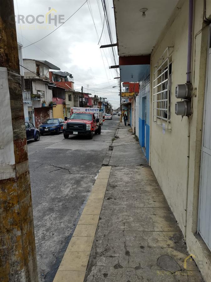 Foto Terreno en Venta en  Coatepec Centro,  Coatepec  Terreno en venta con construcción en Coatepec zona Hernandez y Hernandez a unas cuadras del centro