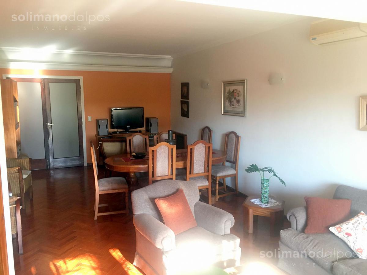 Foto Casa en Venta en  Olivos-Golf,  Olivos  Ricardo Gutierrez al 2100