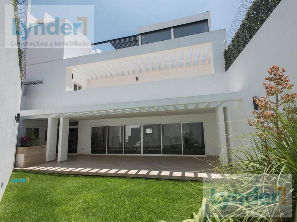 Foto Casa en Venta en  Milenio,  Querétaro  RESIDENCUA CON JACUZZI Y BAR EN VENTA EN MILENIO
