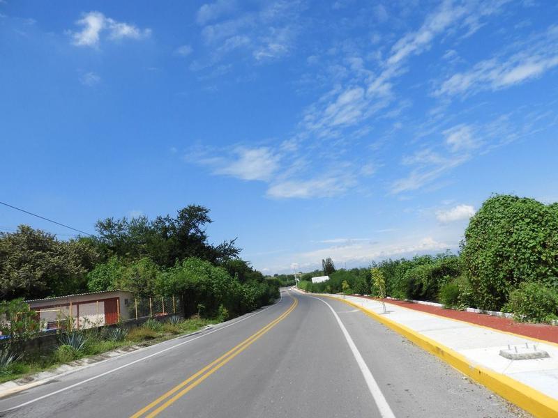 Foto Terreno en Venta en  Pueblo Tequesquitengo,  Jojutla  Venta de Terreno, Fracc. Colinas del Lago Tequesquitengo... Cv-2278