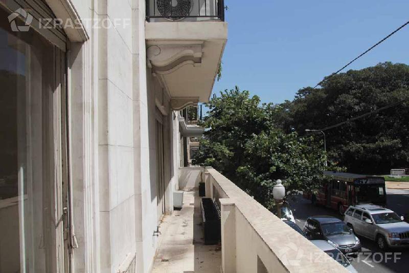 Departamento-Venta-Barrio Norte-ALVEAR 1900 e/AYACUCHO y ORTIZ, ROBERTO, PTE.
