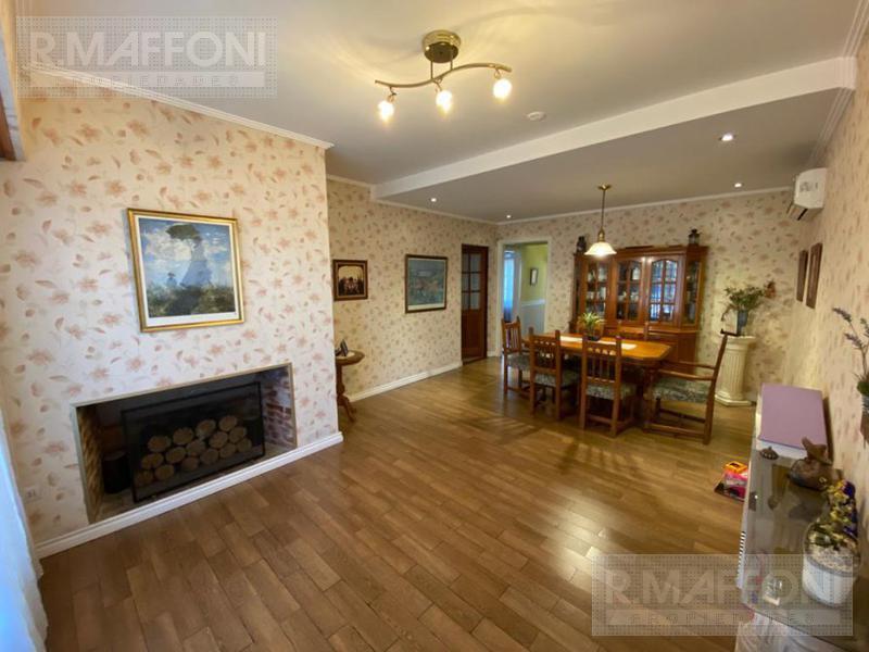Foto Casa en Venta en  Adrogue,  Almirante Brown  Bynon al 1800