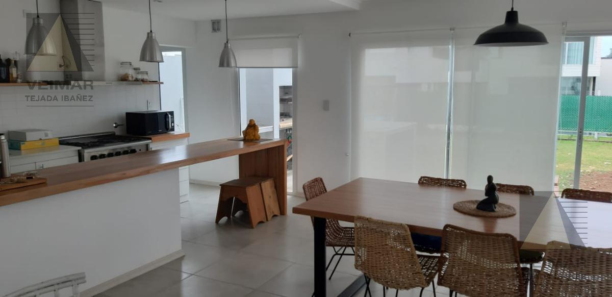 Foto Casa en Venta en  City Bell,  La Plata  Calle 133 e/ 477 y 478 BARRIO EL ROBLE DE CITY BELL