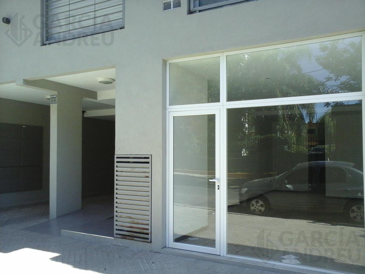 Foto Local en Venta en  Macrocentro,  Rosario  Zeballos 2200