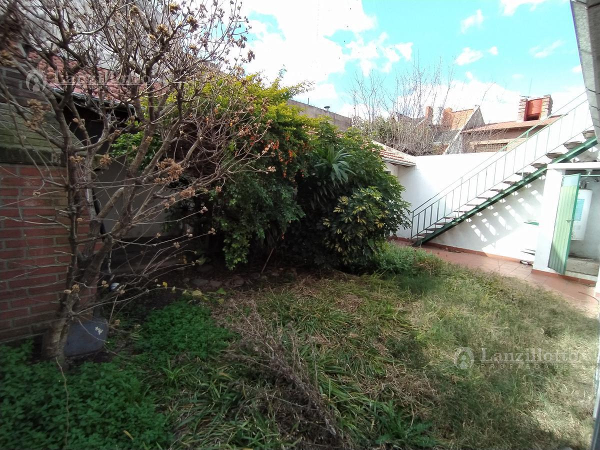 Foto Casa en Venta en  Lanús Este,  Lanús  Juncal 2160