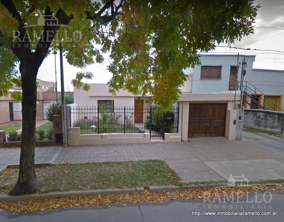 Foto Casa en Venta en  Centro,  Rio Cuarto  Buenos Aires al 1200 - Río Cuarto (Cba. Argentina)