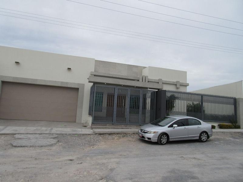 Foto Casa en Venta en  Lomas Del Real de Jarachinas,  Reynosa  Contemporanea casa con Alberca