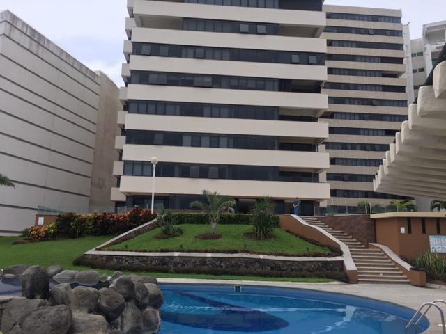 Foto Departamento en Renta en  Fraccionamiento Las Americas,  Boca del Río  Blvd. Adolfo Ruíz Cortinez # 2500 entre  Plaza Río y Plaza Andamar, Fracc. Las Américas, Boca del Río, Ver.