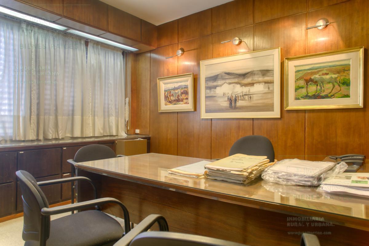 Foto Oficina en Venta en  Microcentro,  La Plata  13 e 48 y 49 - La Plata