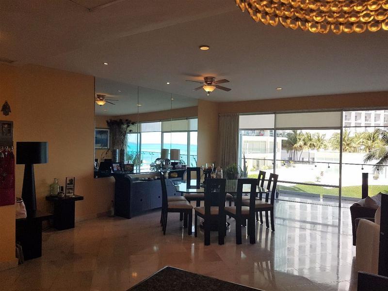 Foto Casa en Venta en  Zona Hotelera,  Cancún  HERMOSO DEPARTAMENTO EN PUNTA CANCUN