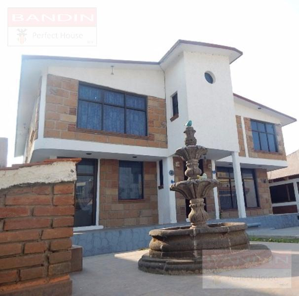 Foto Casa en Venta en  San Mateo OxtotitlAn,  Toluca  Privada Juan de la Barrera