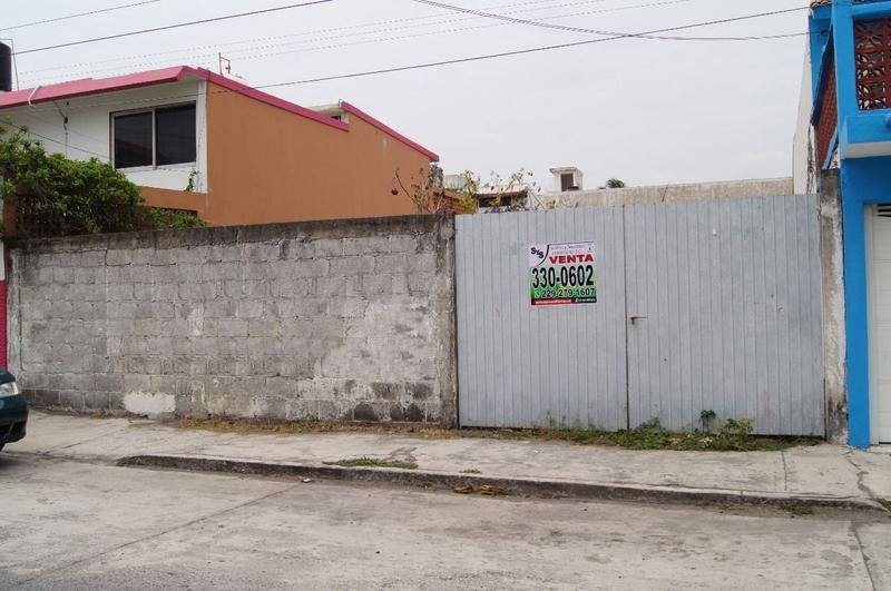 Foto Terreno en Venta en  Fraccionamiento Jardines de Mocambo,  Boca del Río  Terreno de 300 m2 en venta en Fracc. Jardines de Mocambo. BOCA DEL RÍO