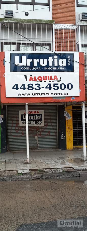 Foto Local en Alquiler en  Moron ,  G.B.A. Zona Oeste  Crisólogo Larralde 600