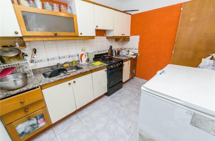 Foto Casa en Venta en  Nuevo URCA,  Countries/B.Cerrado (Cordoba)  Casa y  Locales - Excelente rentabilidad-Oportunidad inversores!  Gandhi  700 - Nueva Urca