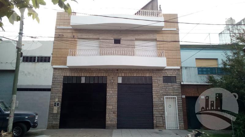 Foto Edificio Comercial en Venta en  Jose Ingenieros,  Tres De Febrero  Garibaldi al 1600