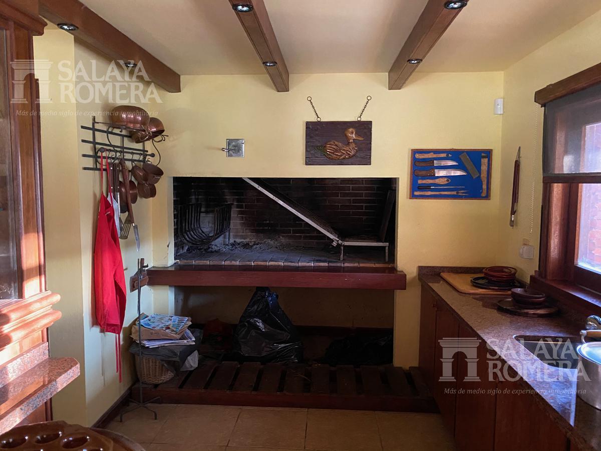 Foto Casa en Venta en  Playa Mansa,  Punta del Este  Elegante Chalet , Playa Mansa Parada 9 , Punta del Este.