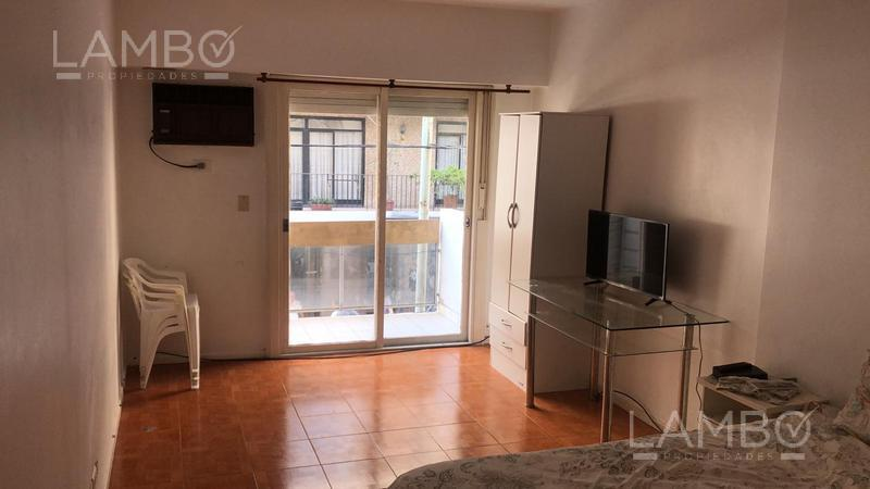 Foto Departamento en Alquiler | Alquiler temporario en  Recoleta ,  Capital Federal  Recoleta - RESERVADO  Guido y Junin