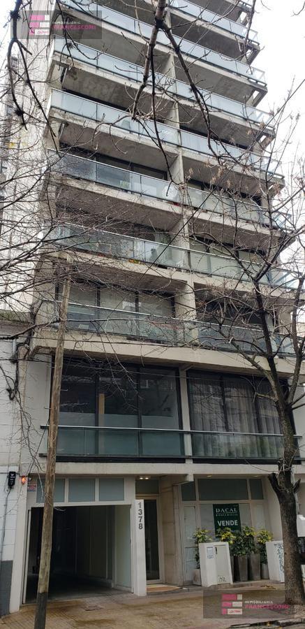 Foto Departamento en Venta en  La Plata,  La Plata  10 60 y 61