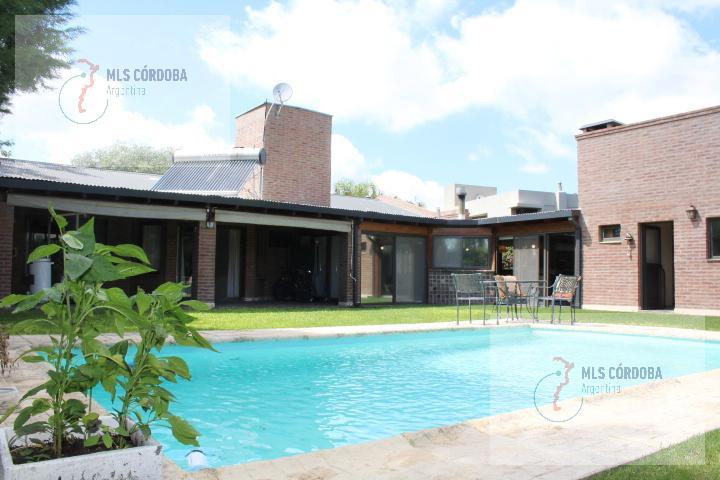 Foto Casa en Venta en  San Isidro,  Villa Allende  padre luchesse km 2
