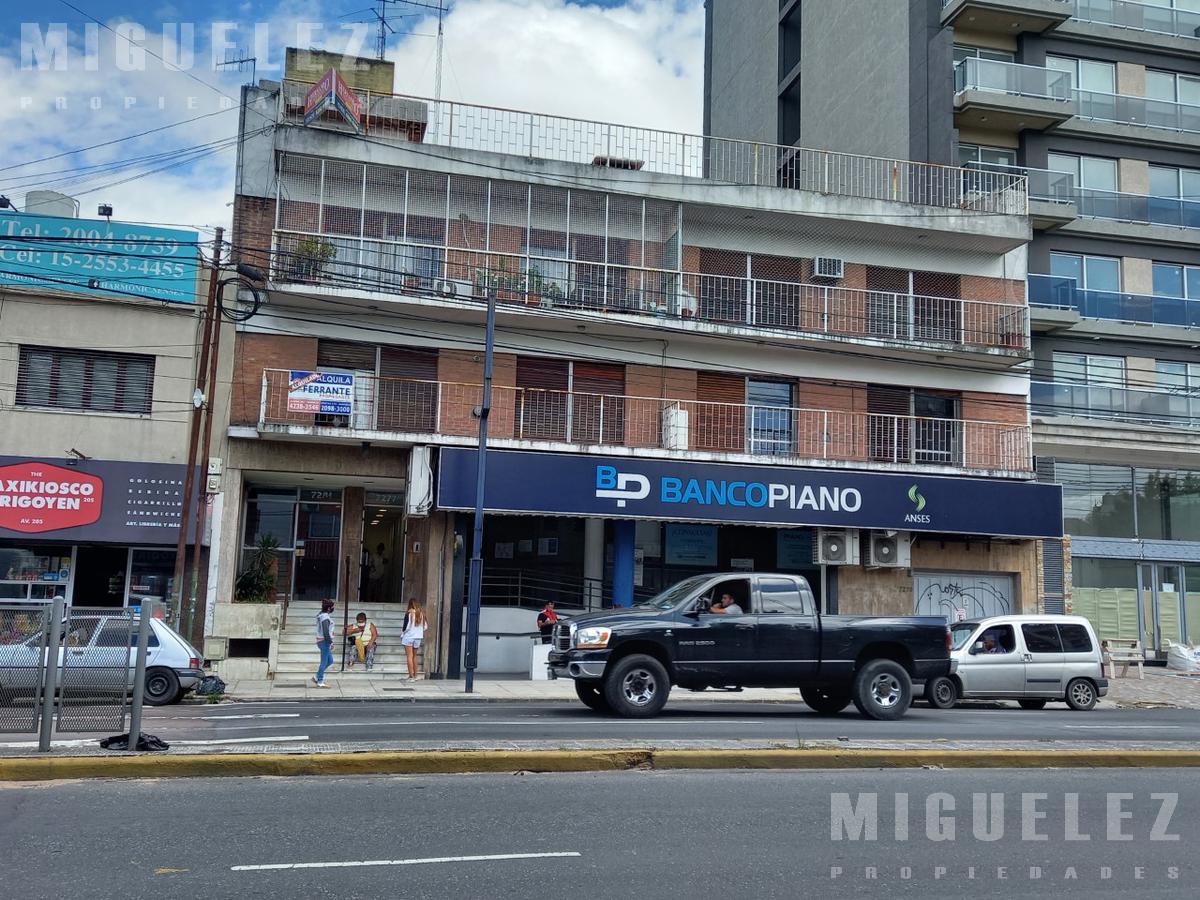 Foto Departamento en Alquiler en  Banfield,  Lomas De Zamora  Departamento en alquiler Banfield, Hipólito Yrigoyen 7281 2°C