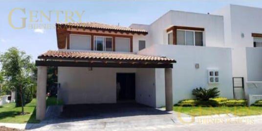 Foto Casa en Venta en  Querétaro ,  Querétaro  Casa en Lomas del Campanario