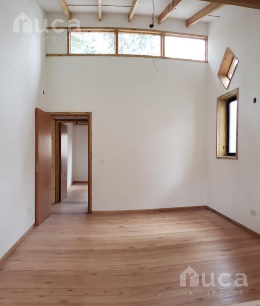 Foto Casa en Venta en  Las Glorias,  Ingeniero Maschwitz  VENTA   IMPECABLE CASA de Madera a ESTRENAR