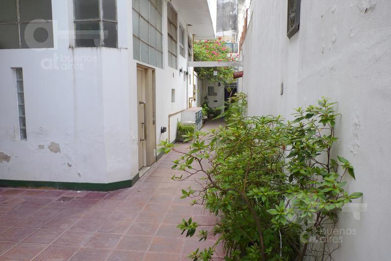 Foto PH en Alquiler temporario en  San Telmo ,  Capital Federal  Defensa e Independencia