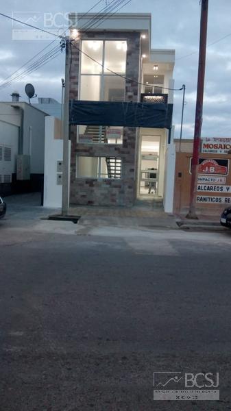 Foto Local en Alquiler en  Capital ,  San Juan  Ramon y Cajal y Libertador