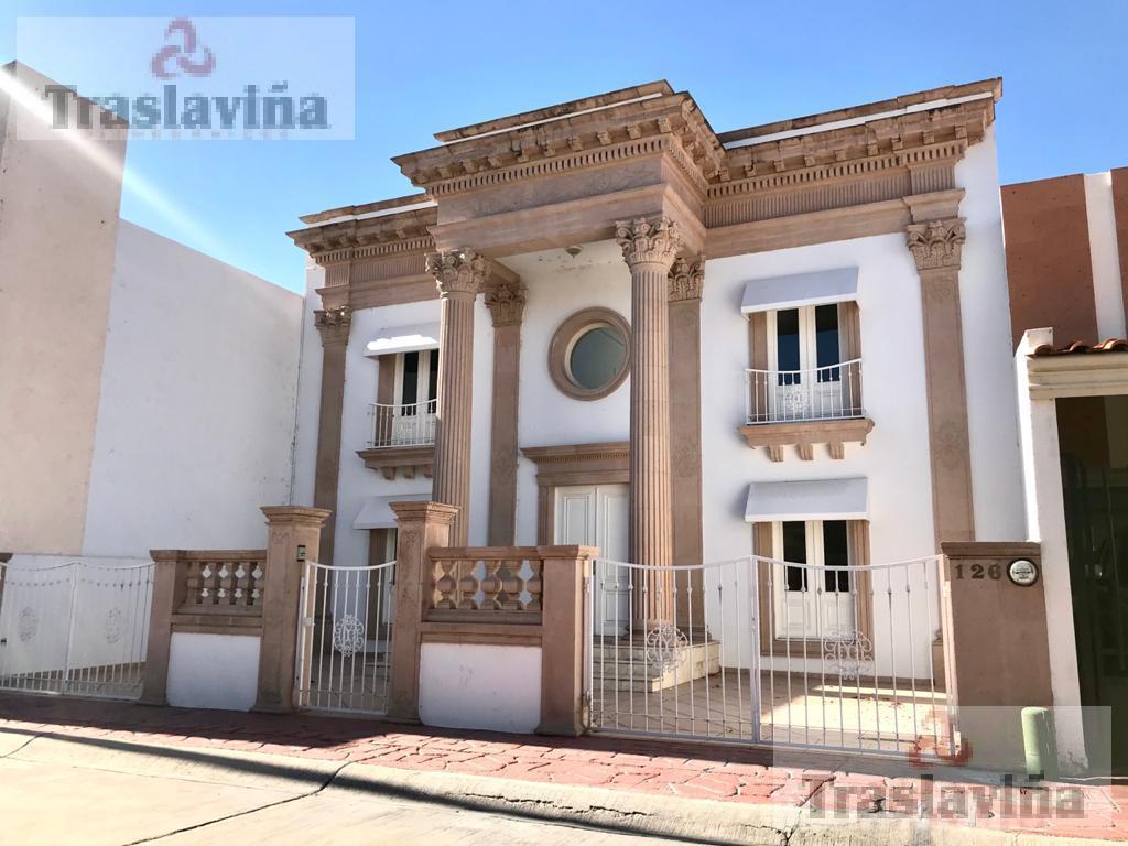 Foto Casa en Venta en  Jardines del Campestre,  León  Hermosa casa Estilo Clásico en el mejor Fraccionamiento!!