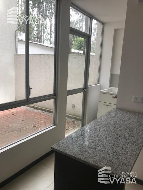 Foto Casa en Venta en  Rumiñahui ,  Pichincha  LOS CHILLOS - SAN CARLOS DE ALANGASÍ, A ESTRENAR CASA DE VENTA 116 M2  (C-4)