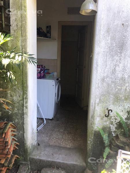 Foto Terreno en Venta en  La Lucila-Vias/Libert.,  La Lucila  Debenedetti al 400