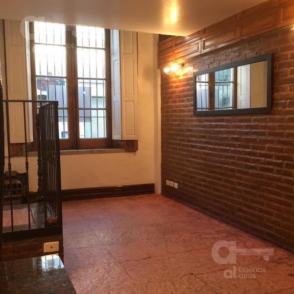 Foto Departamento en Alquiler temporario en  San Telmo ,  Capital Federal  Giuffra al 300
