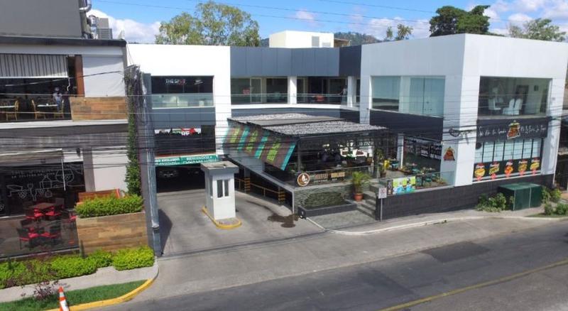 Foto Local en Renta en  Las Lomas del Guijarro,  Distrito Central  Local Comercial En Renta Plaza Las Lomas Tegucigalpa