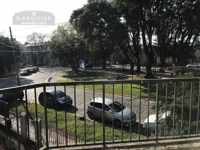Foto Terreno en Venta en  Adrogue,  Almirante Brown  PLAZA CERRETI 60