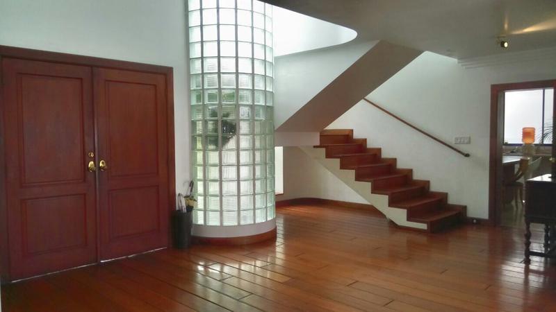 Foto Casa en Venta |  en  Samborondón,  Guayaquil  VENTA DE VILLA EN URB LA PUNTILLA AL RIO 5 DORMITORIOS
