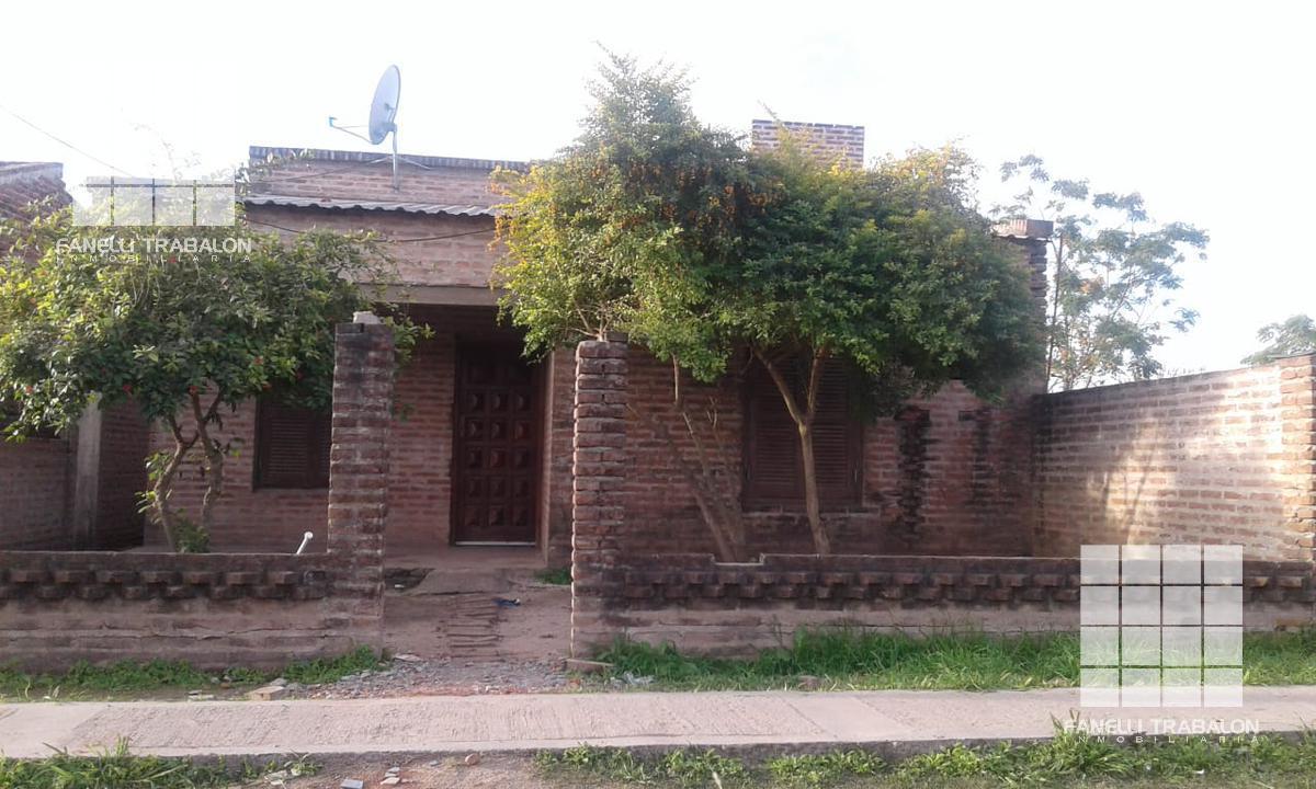 Foto Casa en Venta en  Monseñor de Carlo,  Presidencia Roque Saenz Peña  1  e 3 bis y 5