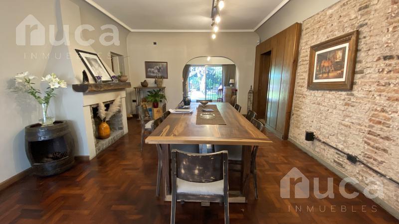 Foto Casa en Alquiler en  Martinez,  San Isidro  Excelente Casa con jardín parquizado Ideal oficinas! | Dardo Rocha al 2100