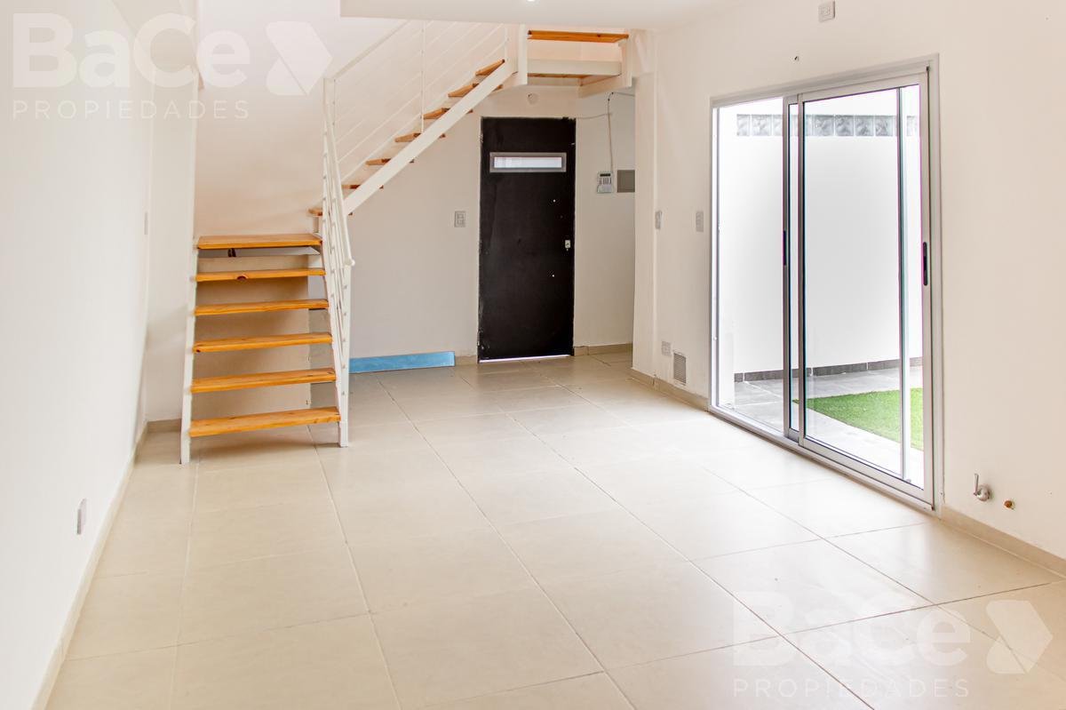 Foto Casa en Venta en  España y Hospitales,  Rosario  Entre Rios al 2900