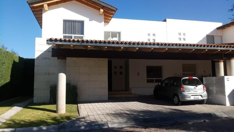 Foto Casa en Renta en  Fraccionamiento El Campanario,  Querétaro  OPORTUNIDAD!! CASA EN RENTA LOMAS DEL CAMPANARIO I