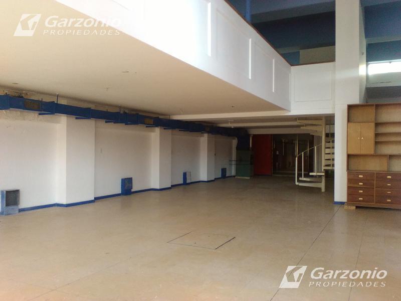 Foto Edificio Comercial en Venta | Alquiler en  Trelew ,  Chubut  9 de Julio al 600