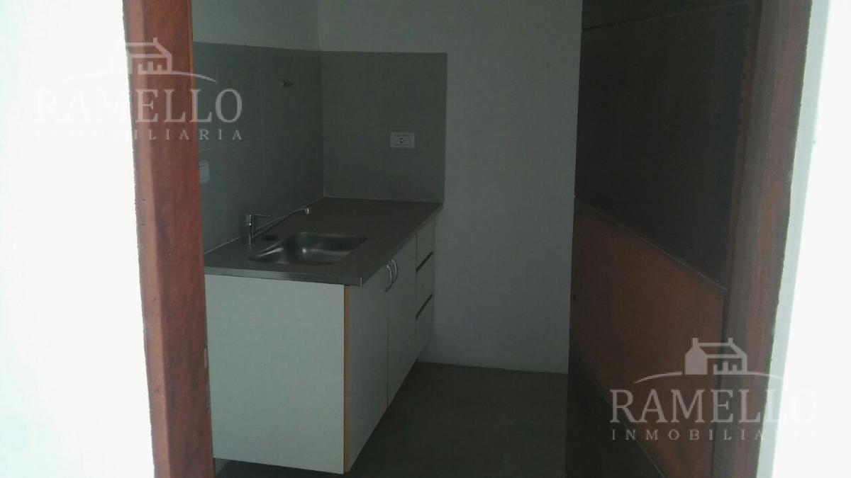Foto Galpón en Alquiler en  Rio Cuarto ,  Cordoba  A005 1 1/2