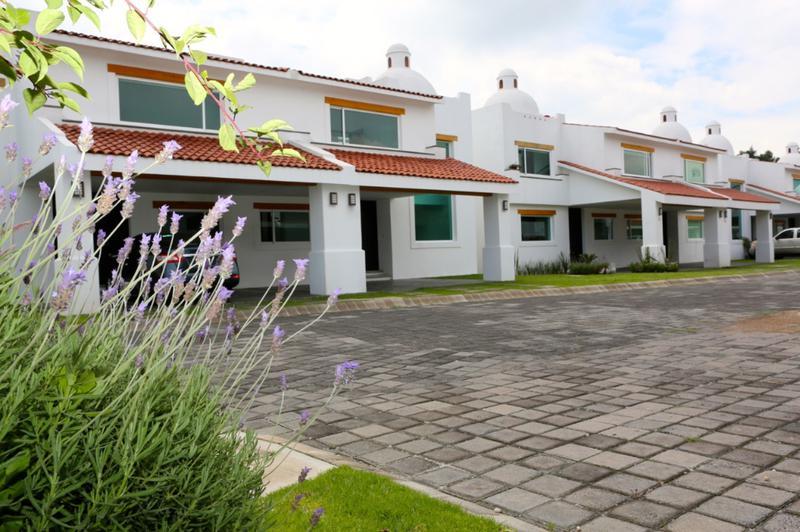 Foto Casa en condominio en Renta en  Amomolulco,  Lerma  Estrene Casa Nueva en Renta en Conjunto Residencial Marbella